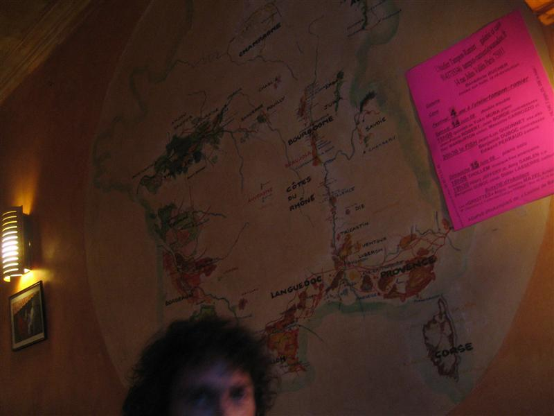 店内にはフランス地図