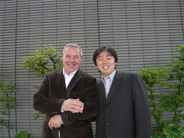 松井とコサール氏