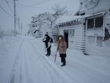 吹雪の中の登校