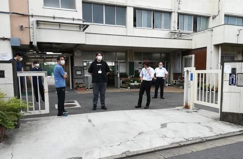 目黒第九中学校 教員集合_Trim