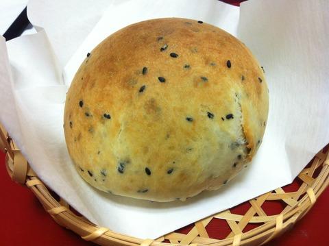 37里芋にっころパン