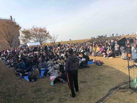 『JA愛知北 合併25周年記念 ふれあいフェスティバル』観客でいっぱい