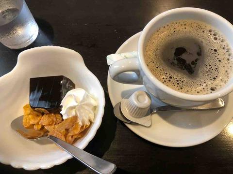 『美食亭 奏』アメリカンコーヒーとデザート