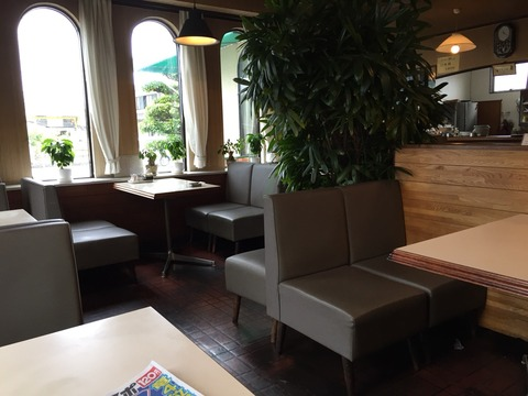 『喫茶・軽食 ピーク』店内の雰囲気