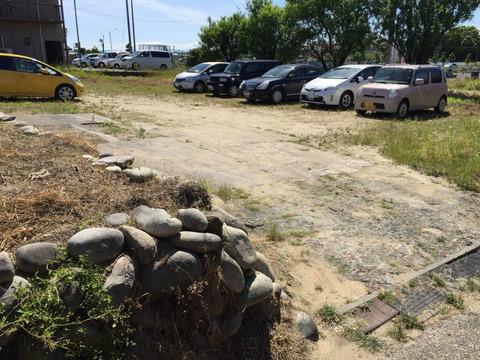 風の実 駐車場