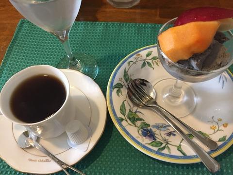TIROL(チロル)飲み物、デザート