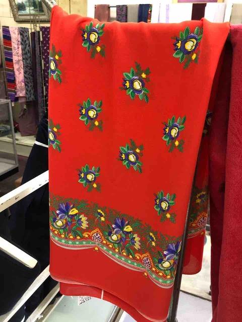 『パール洋装店』服の生地