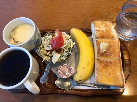 『カフェ・ド サン・トロペ』モーニング