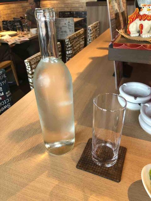 『うまいもんバル Rinpu亭』お水がボトル
