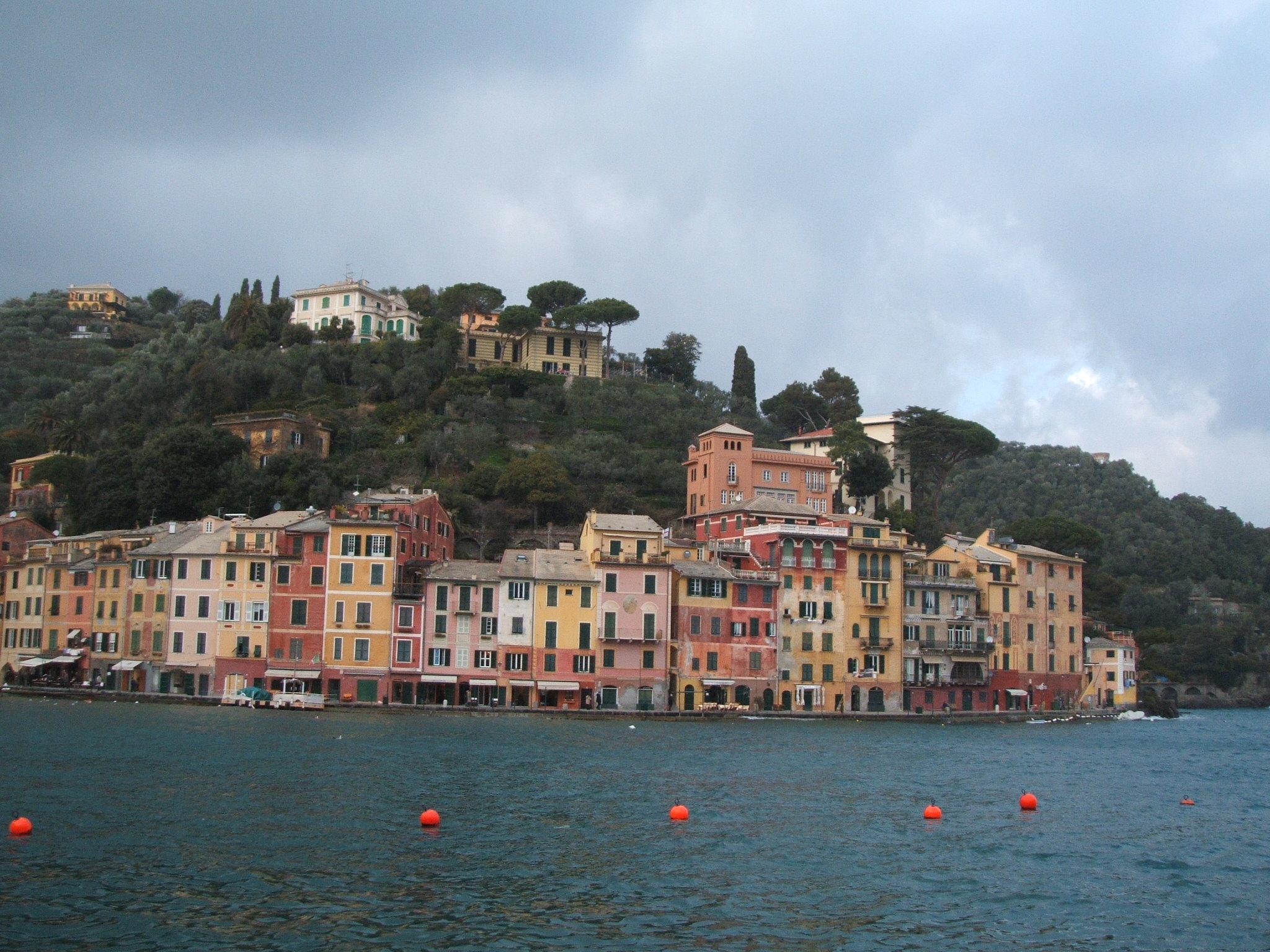 ゆっくりと建築を語るOctober 2005(4)イタリア人に道を教えてもらう時は気をつけましょう● ピザ釜 造ろう♪(3)イタリア・ミラノでの市内見学(2)イタリアの設計事務所● スターウォーズ展(1)イタリア研修2005● ブログ はじめました。
