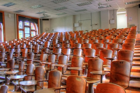 lecture-hall-347316_640