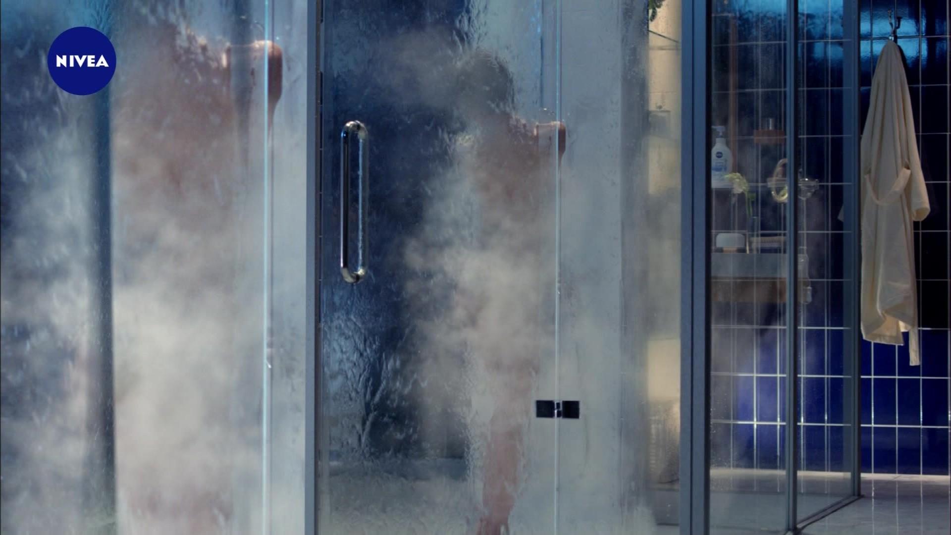 吉瀬美智子のシャワー