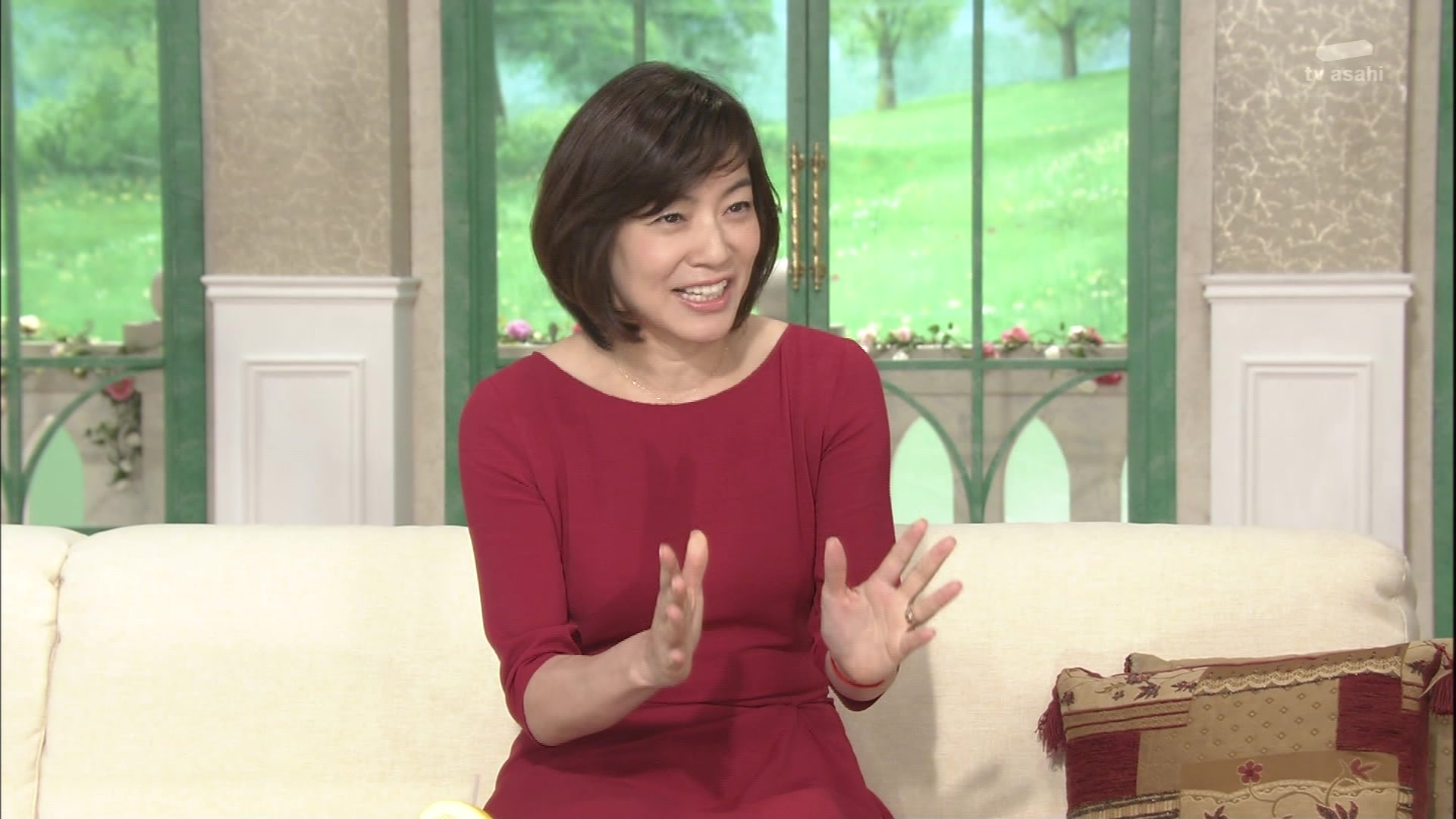 徹子の部屋出演時の八木亜希子