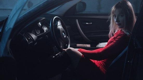 girl-in-car-1382916_640