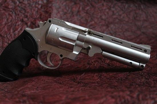 gun-166508_640