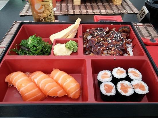 sushi-825764_640