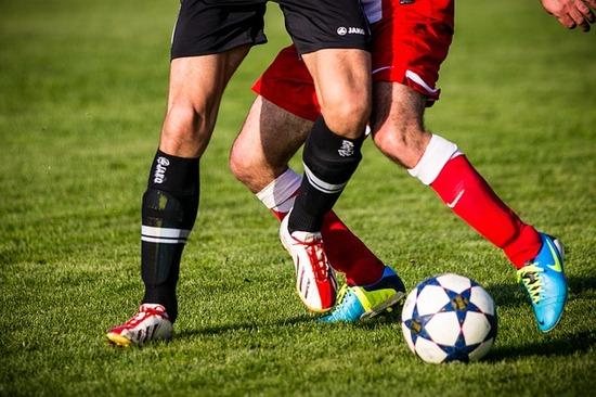 football-606235_640