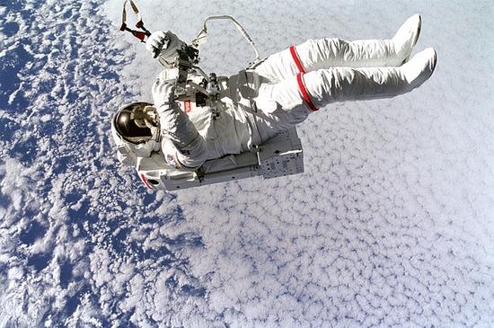astronaut-577834_640