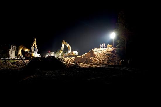 night-construction-site-1580199_960_720