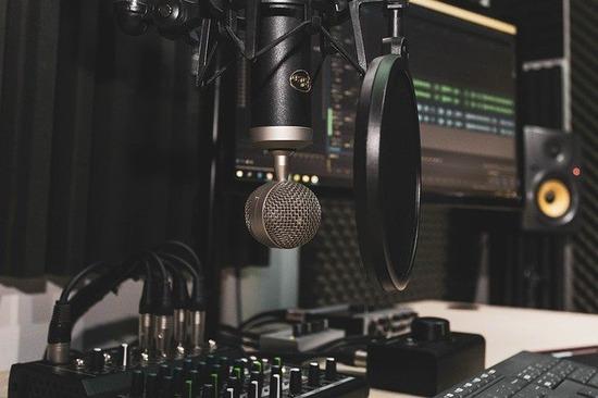 studio-4065108_640
