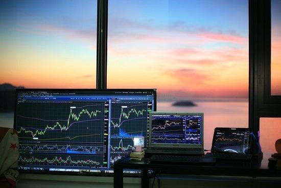 stock-trading-g179b65ab8_640