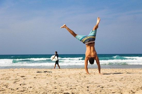 handstand-2224104_640