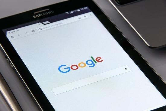 google-on-your-smartphone-ga0013e5b1_640