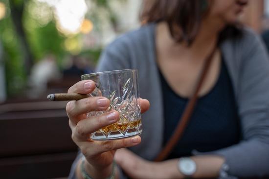 whiskey-glass-4144392_960_720