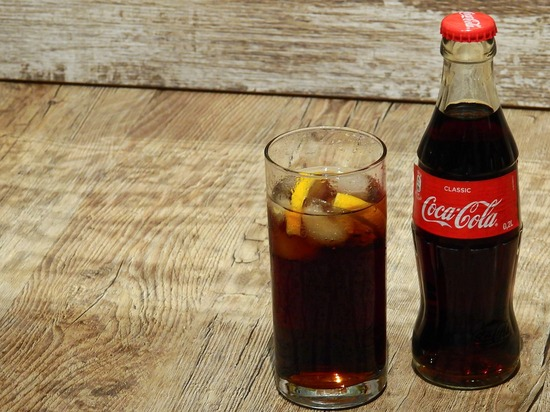 coca-cola-2099000_960_720