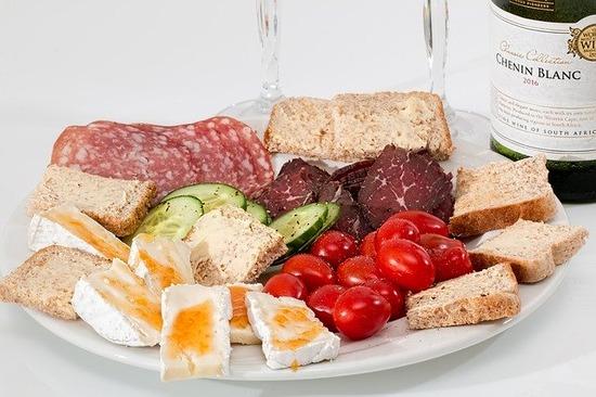 food-platter-2175326_640