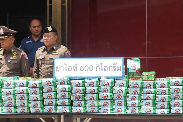 【悲報】ドラえもん、タイで覚醒剤のパッケージにされる