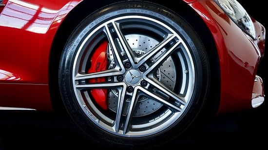 alloy-wheel-2417026_640