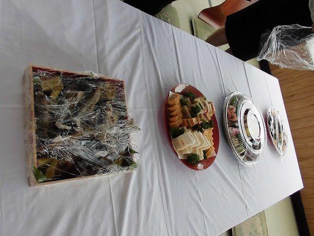地元日田市のお客様方に屋形船を  お料理(3)