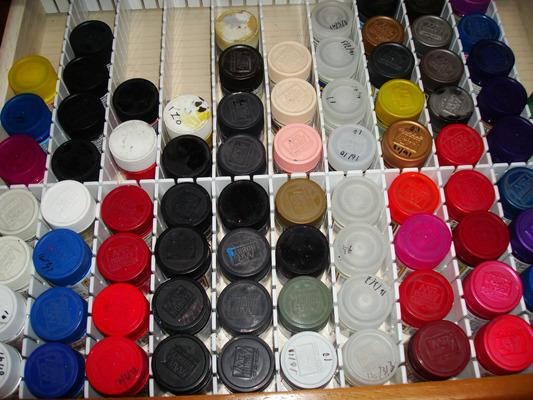 ガンプラ 塗料を収納 100均