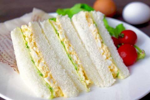 【画像】関西人の卵サンドが普通の卵サンドと全然違うww