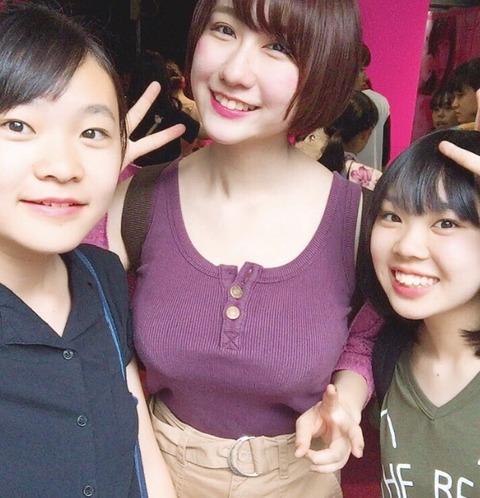 【画像】身長170cmの巨乳女子中学生14が話題wwww