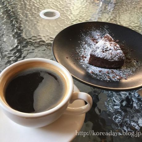 ホンデのカフェ Cafe monobloc