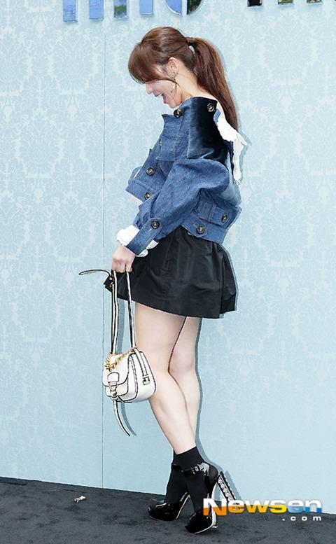 ハ・ジウォンはだけた衣装160722 (1)