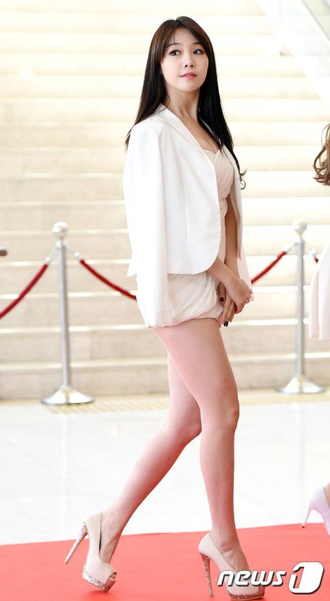 girl's Day ミナのミニスカート151105 (2)