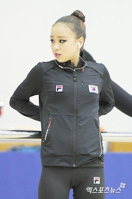新体操 ソン・ヨンジェの乳首 (7)