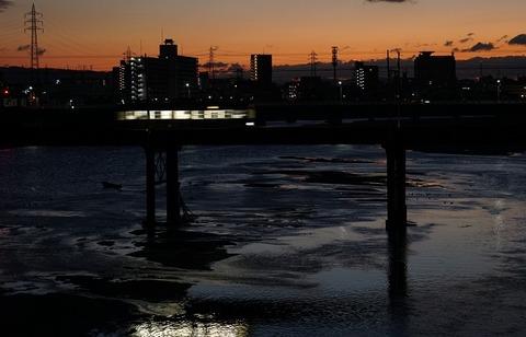 上野①もうすぐ初日(大和川)