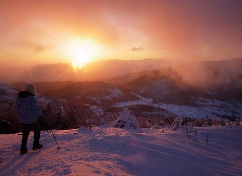 上野②バラ色の朝(北横岳)
