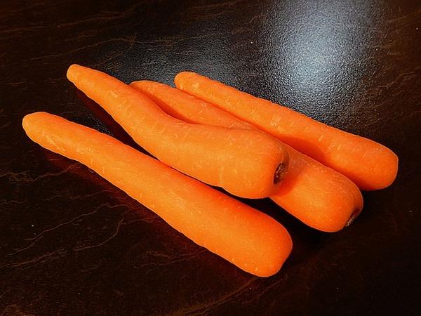pb carrots-1436887_640