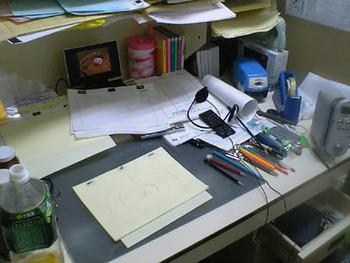アニメーターの机