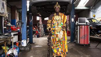 アフリカ部族の王