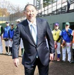 清原氏が現場復帰選手へ「精一杯悔いないように」 ワールドトライアウト会場に登場