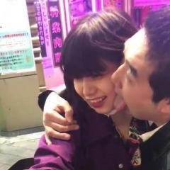 新宿で通りすがりの男が女性の顔をロ舐め回し暴言を吐く