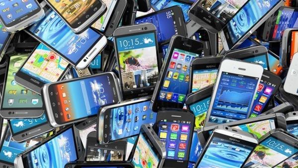 160305old_smartphones-w960
