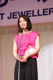 """石田ゆり子 50歳メモリアル""""超過激写真集""""に挑戦"""
