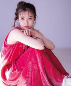 乃木坂46白石麻衣、美ヒップラインにうっとり「sweet」表紙